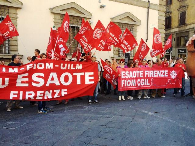 Novaradio citt futura svolta nella crisi esote ritirati for Piani di casa artigiana con seminterrato di sciopero