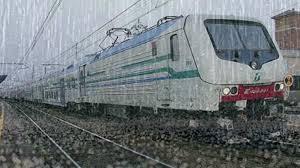 treno pioggia
