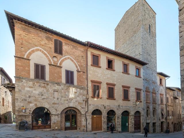 Novaradio citt futura riapre la casa torre del fai for Piani di casa torre