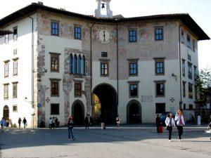 Pisa_palazzo_Ugolino-640x480